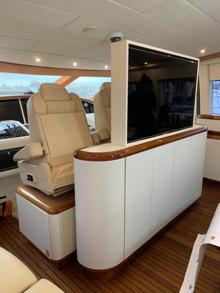 Rénovation meuble TV yacht